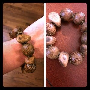 Jewelry - 5/$10 Item 🎉 Chunky Wood & Gold Accented Bracelet